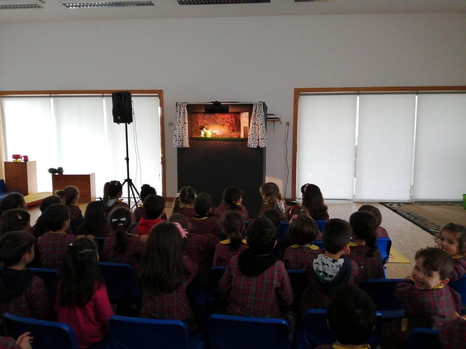 O teatro vem à escola: Pandora