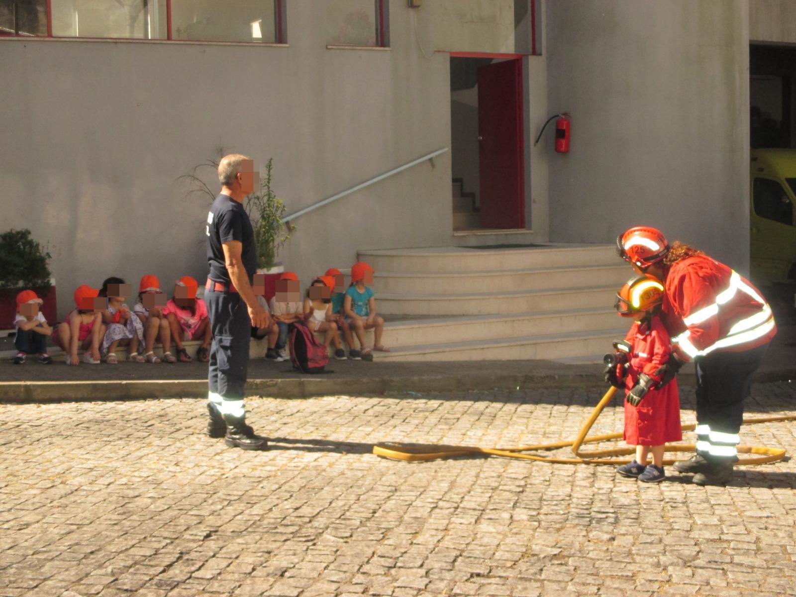 Dia Mundial da Criança - Visita aos Bombeiros