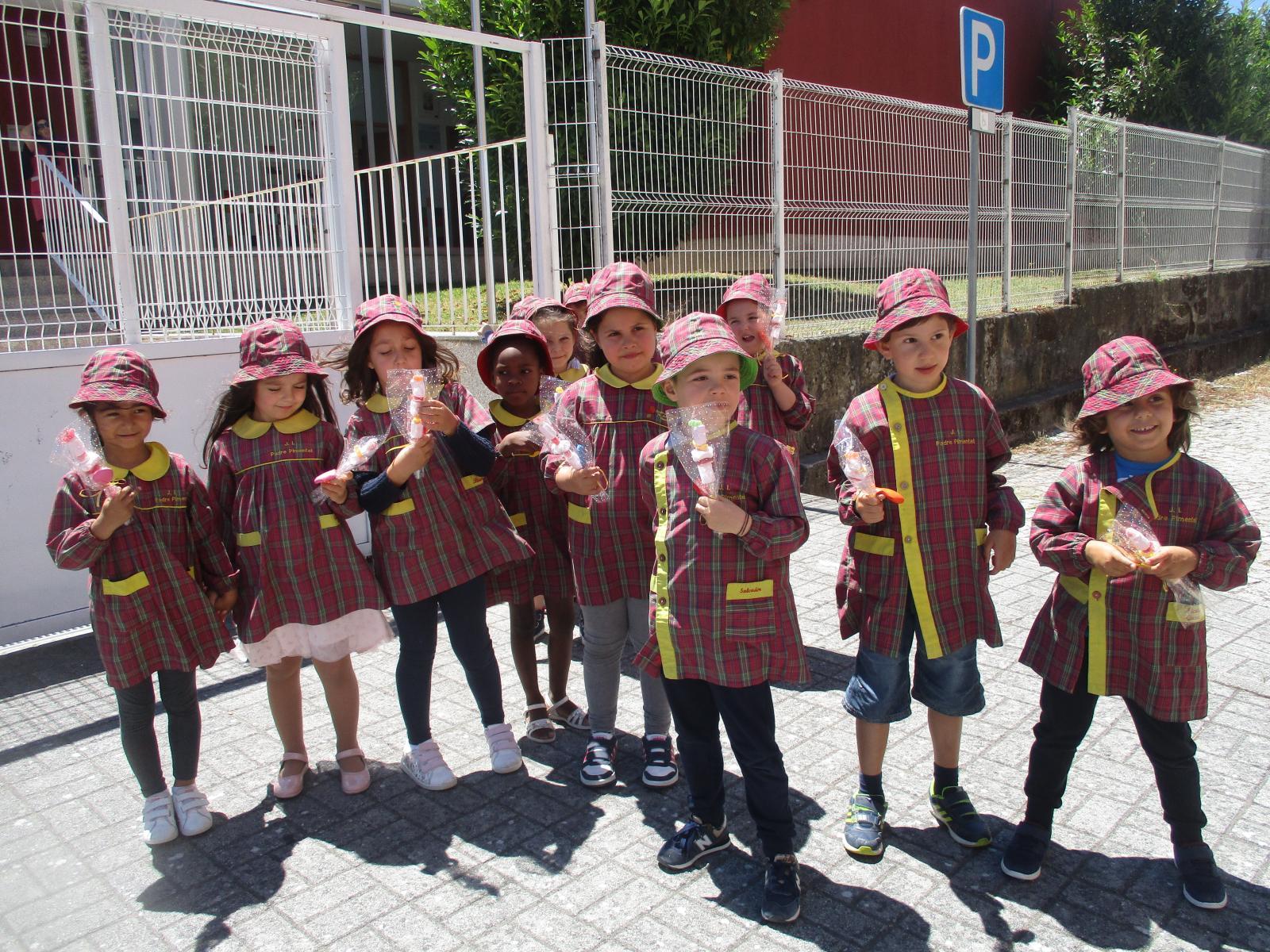 Visita das crianças que vão frequentar o 1º ciclo à EB1 de Igreja-Guilhufe